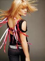 Hilary-Duff_hair_flip.jpg