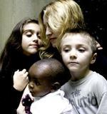 benetton_madonna_family.jpg