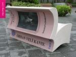 book_bench.jpg