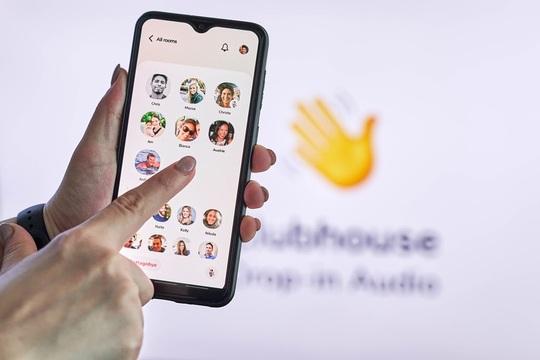 clubhouse_app.jpg
