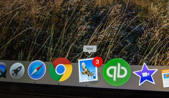 email_desktop.jpg