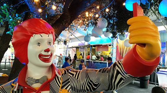 mcdonalds-food-truck-hed-2015.jpg